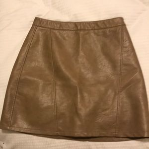 3/$40- Zara Faux Leather A line Skirt (Med)